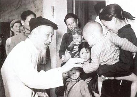 Xây dựng con người mới của Đảng ta theo tư tưởng Hồ Chí Minh